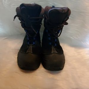 Columbia Boys Boots sz 2